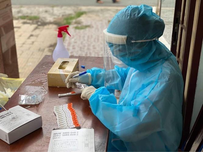 Bộ Y tế sẵn sàng ứng phó với mọi kịch bản dịch COVID-19 bùng phát ở các tỉnh miền Nam ảnh 1