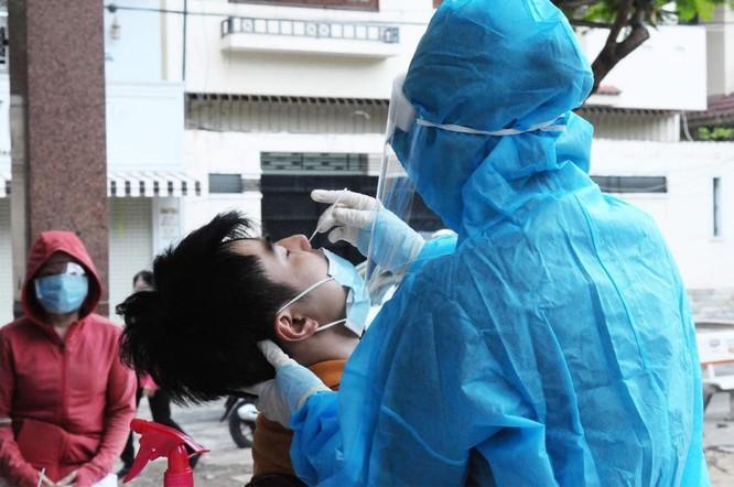 Người tiêm đủ liều vaccine; khỏi COVID-19 về từ 4 tỉnh, thành phía Nam không phải cách ly tập trung ảnh 1