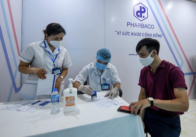 Công ty cổ phần Dược phẩm Trung Ương I - Pharbaco giúp Hà Nội đẩy nhanh tốc độ tiêm vaccine COVID-19 ảnh 5