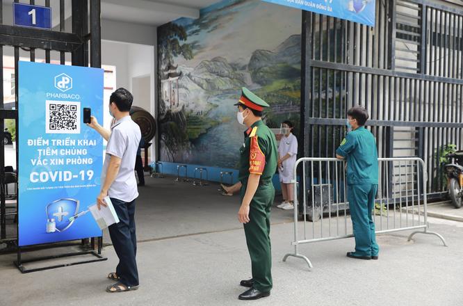 Công ty cổ phần Dược phẩm Trung Ương I - Pharbaco giúp Hà Nội đẩy nhanh tốc độ tiêm vaccine COVID-19 ảnh 1