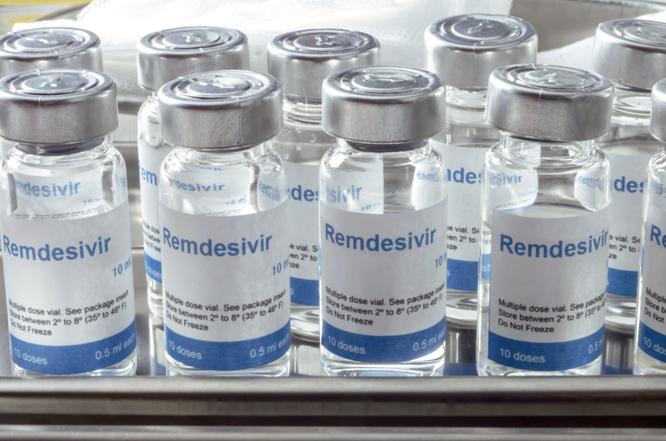 Cục Quản lý Dược thông tin về 7 loại thuốc điều trị cho bệnh nhân mắc COVID-19 từ thể nhẹ đến nặng ảnh 1