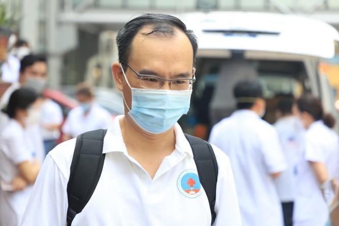 Lực lượng hồi sức tích cực tinh nhuệ nhất ở BV Hữu Nghị lên đường chi viện cho Tiền Giang chống dịch ảnh 2