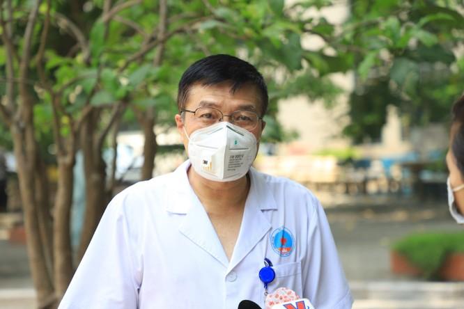 Lực lượng hồi sức tích cực tinh nhuệ nhất ở BV Hữu Nghị lên đường chi viện cho Tiền Giang chống dịch ảnh 1