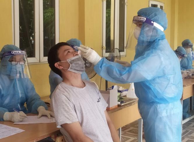 Hà Nội lập tổ công tác số 1 để tăng tốc truy vết, xét nghiệm và tiêm vaccine phòng COVID-19 ảnh 1