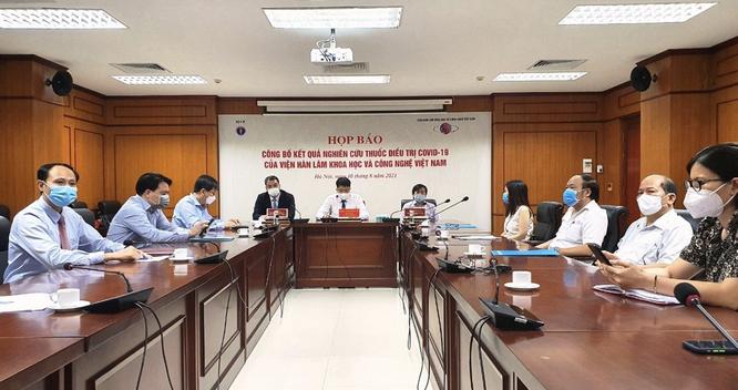 Lần đầu tiên Việt Nam nghiên cứu tiền lâm sàng thành công thuốc điều trị COVID-19 làm từ thảo dược ảnh 1