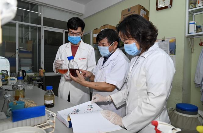 Lần đầu tiên Việt Nam nghiên cứu tiền lâm sàng thành công thuốc điều trị COVID-19 làm từ thảo dược ảnh 2