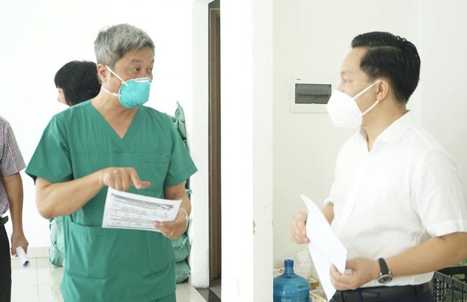 Thứ trưởng BYT Nguyễn Trường Sơn hướng dẫn người dân tự làm xét nghiệm COVID-19 tại nhà ảnh 1