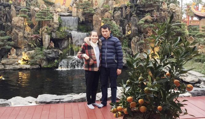 """Cặp vợ chồng vỡ oà trong hạnh phúc sau 4 năm nhọc nhằn tìm """"con giống"""" ảnh 1"""
