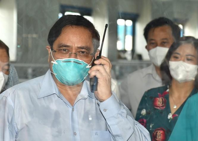 Thủ tướng Chính phủ Phạm Minh Chính kiểm tra BV dã chiến điều trị COVID-19 thuộc BV Đại học Y Hà Nội ảnh 2