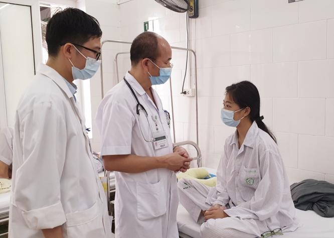 Bác sĩ chỉ ra sai lầm lớn của người dân khiến dịch sốt xuất huyết gia tăng chóng mặt ảnh 1