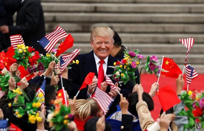 Trung Quốc trải thảm đỏ và 'núi thỏa thuận' 250 tỷ USD đón ông Trump ảnh 6