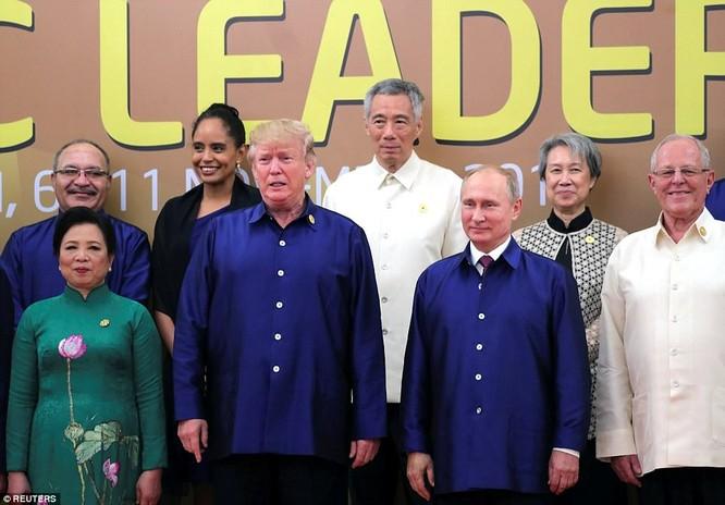 Hai ông Putin và Trump bắt tay thân thiện bên lề APEC ảnh 4