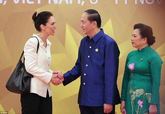Hai ông Putin và Trump bắt tay thân thiện bên lề APEC ảnh 10
