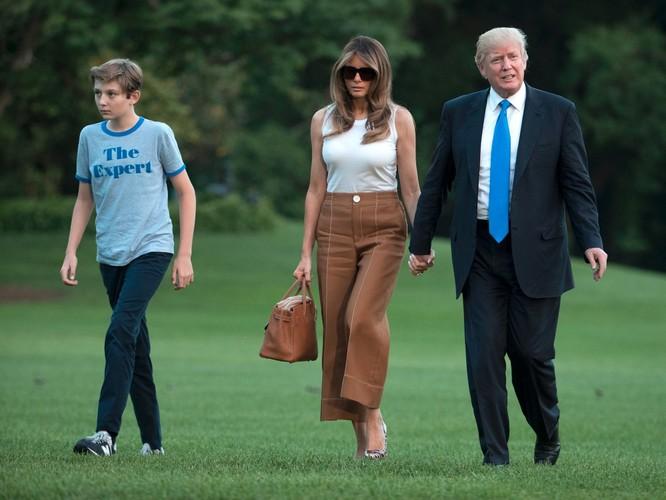 Melania Trump: Từ siêu mẫu thời trang đến đệ nhất phu nhân nước Mỹ ảnh 12