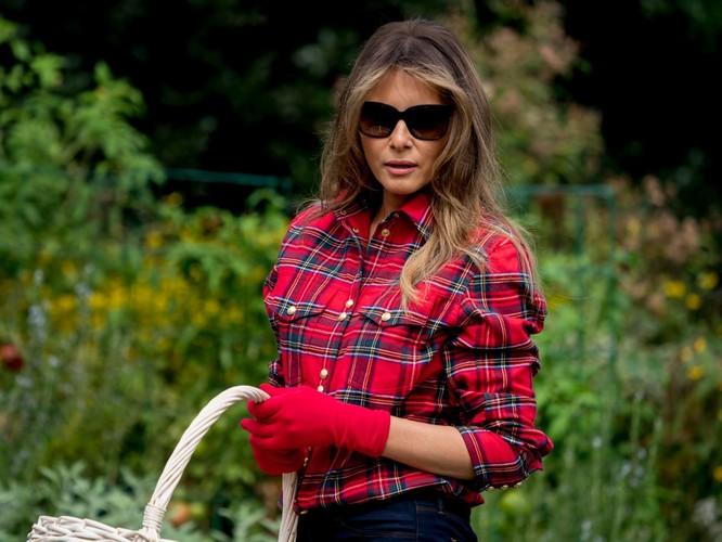 Melania Trump: Từ siêu mẫu thời trang đến đệ nhất phu nhân nước Mỹ ảnh 15