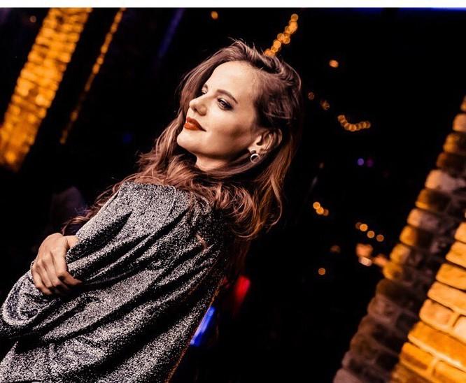 Người đẹp 'bốc lửa' trở thành phát ngôn viên Bộ Quốc phòng Nga ảnh 9