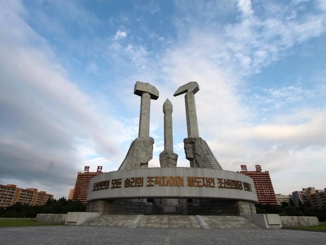 Sửng sốt với những công trình kỳ vĩ của Triều Tiên ảnh 2