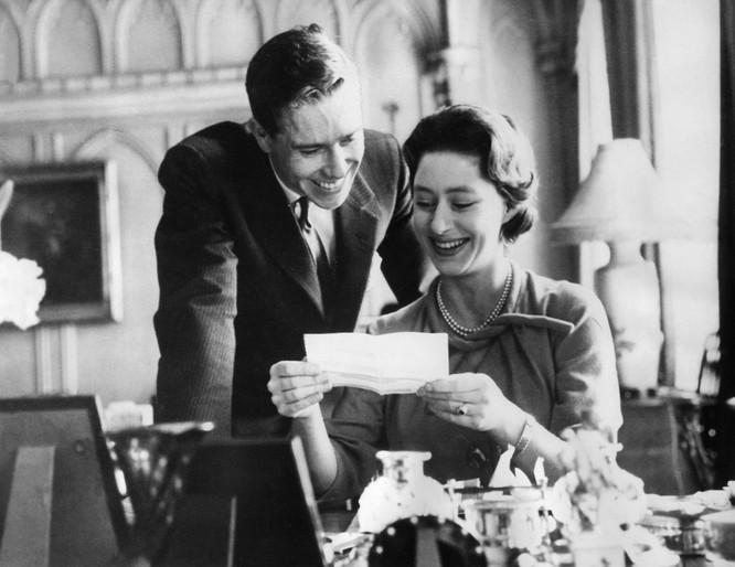 Hoàng gia Anh với những chiếc nhẫn đính hôn theo dòng lịch sử ảnh 4