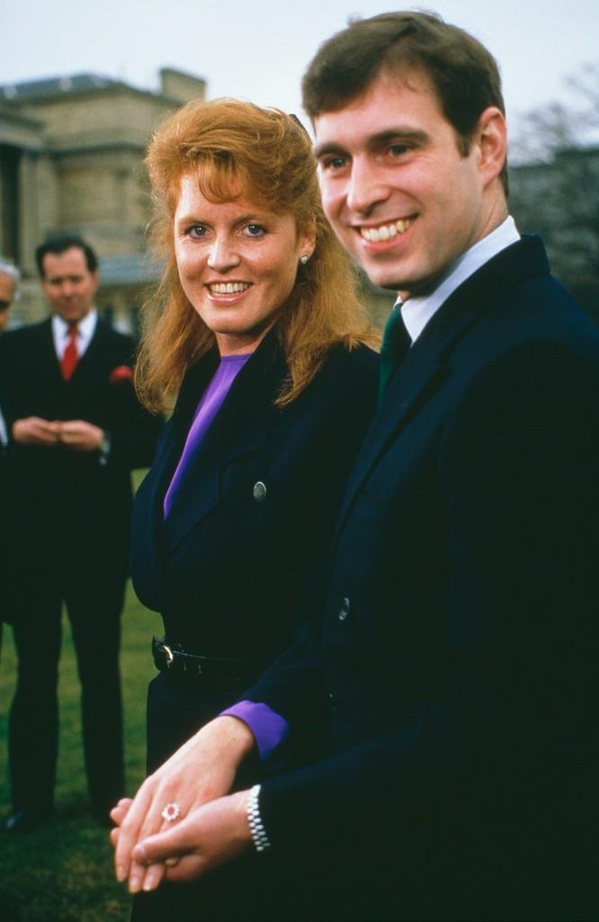 Hoàng gia Anh với những chiếc nhẫn đính hôn theo dòng lịch sử ảnh 7