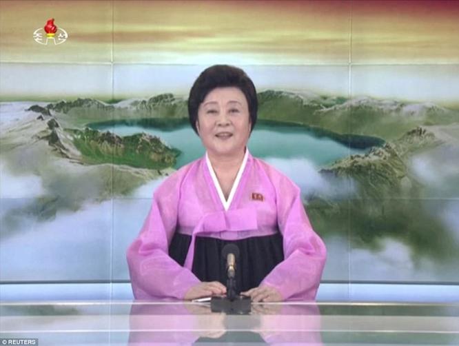Triều Tiên phóng tên lửa ICBM: Ông Kim Jong un cười mãn nguyện, thế giới chấn động ảnh 13