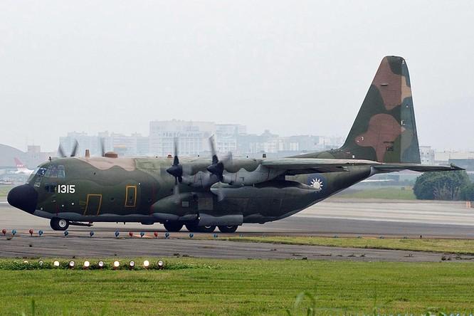 Trung Quốc tập trận vờn quanh, Đài Loan đe trả giá đắt nếu tấn công ảnh 4