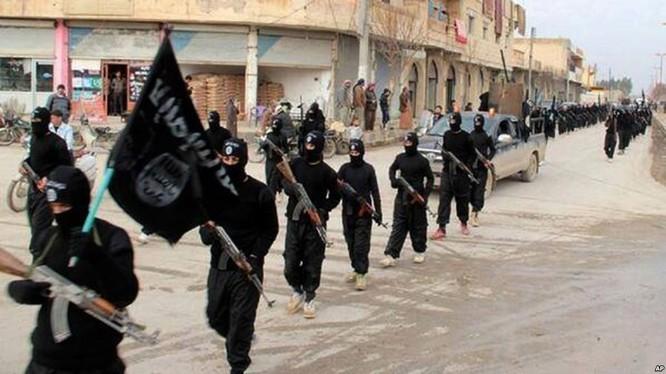 """Phá Nga tại Syria, Mỹ """"dàn trận"""" mới với 30.000 tay súng ảnh 2"""