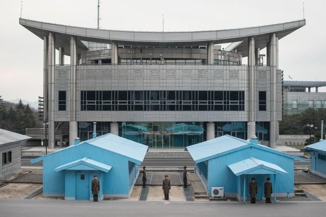 Cận cảnh Bàn Môn Điếm - Nơi mặt đối mặt giữa hai miền Triều Tiên ảnh 1