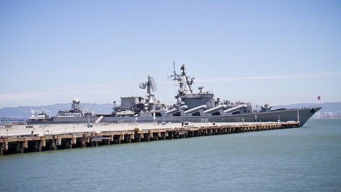 Sau đòn tập kích Hmeimim, căn cứ hải quân Nga tại Syria nguy cơ bị tấn công ảnh 2