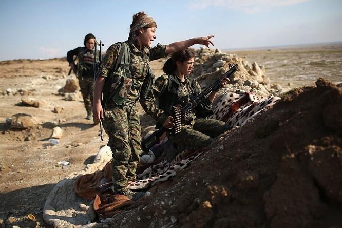 Cản Nga tại Syria, Mỹ châm lửa cuộc chiến lớn Trung Đông ảnh 1