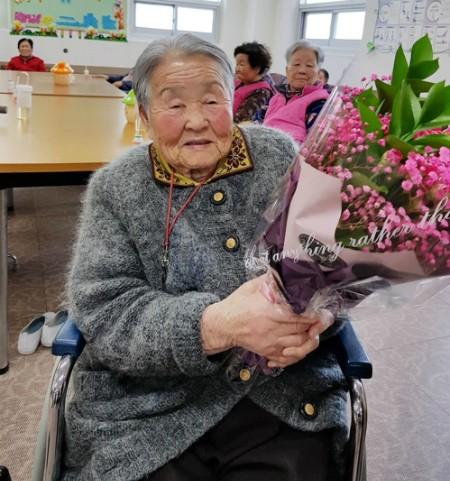 Mẹ HLV Park Hang-seo đang ở viện dưỡng lão, muốn sang Việt Nam thăm con trai ảnh 1