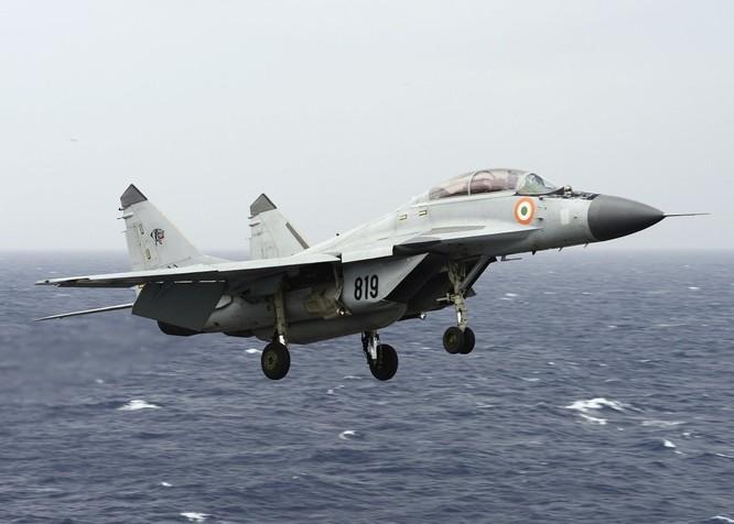 Máy bay MiG-29K.