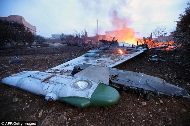 Cũng có nguồn tin khác nói thiếu tá Filipov bị bắt sau khi chiếc máy bay bị bắn hạ.