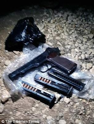 Thiếu tá Filipov đã bắn hạ hai tay khủng bố bằng súng lục trước khi tự sát.