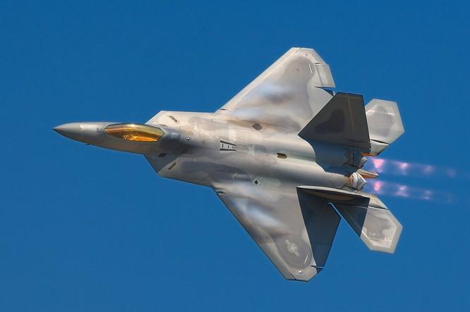 Theo thông tin từ Lầu Năm Góc, cuộc tấn công được thực hiện trong 3 giờ với pháo, trực thăng chiến đấu, các máy bay AC-130, F-22 và F-15.