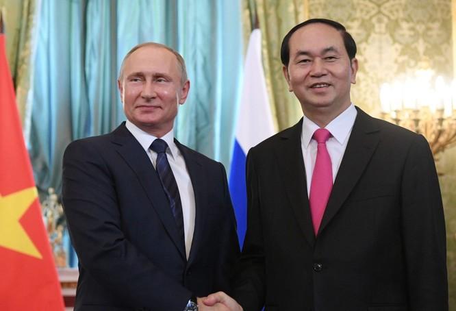 Chủ tịch nước Trần Đại Quang cùng tổng thống Nga Vladimir Putin.