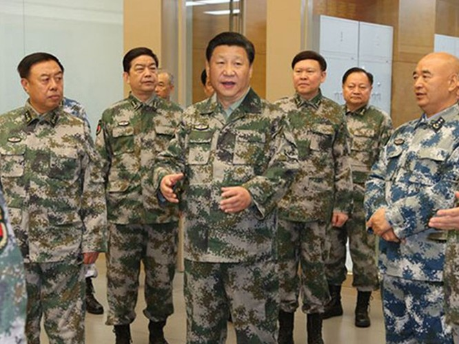 Chủ tịch Trung Quốc Tập Cận Bình cùng các tướng lĩnh cấp cao trong Quân ủy Trung Ương Trung Quốc.