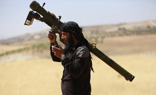 Ngoài việc hỗ trợ vũ khí cho SDF, Mỹ cũng tuồn các vũ khí phòng không hạng nhẹ cho khủng bố.