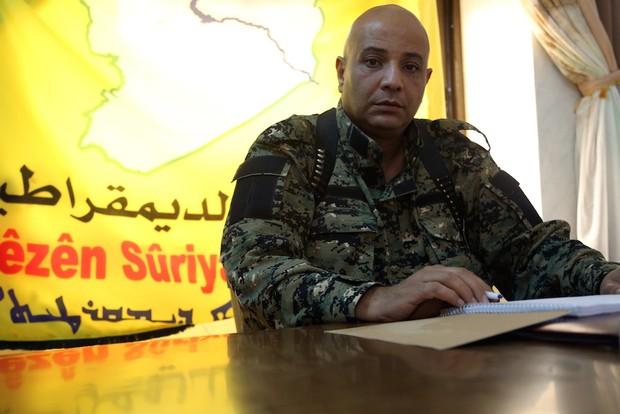 Talal Silo - thiếu tướng, cựu phát ngôn viên của lực lượng SDF đã tố cáo Mỹ và SDF đã thả cho IS chạy thoát khỏi Raqqa.