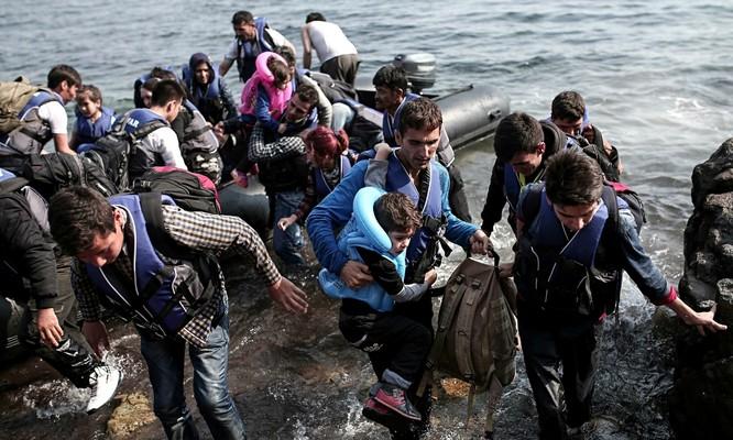 Cuộc chiến Syria đã gây ra khủng hoảng tị nạn tại châu Âu. Trong ảnh: người tị nạn Syria tại Hy Lạp.