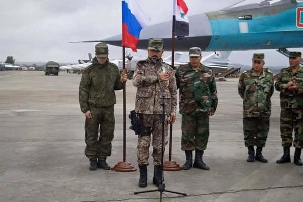 Ông Hassan tại căn cứ không quân Nga Khmeimim.