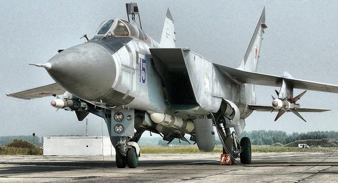 Máy bay đánh chặn MiG-31 của Nga đang được hiện đại hóa thành MiG-31BM.
