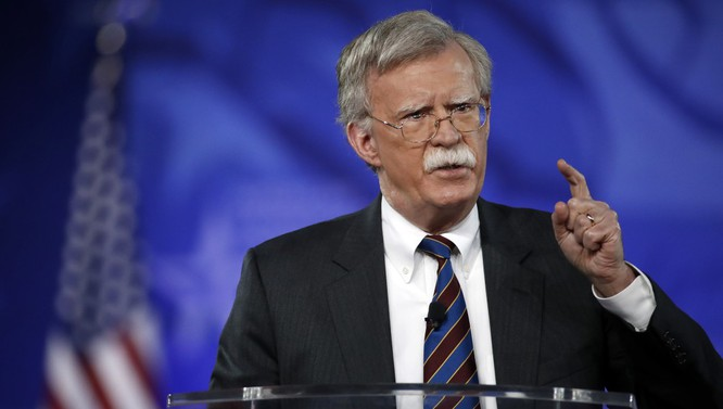 Ông Donald Trump dự định đưa ông John Bolton làm Cố vấn an ninh quốc gia thay thế ông McMaster.