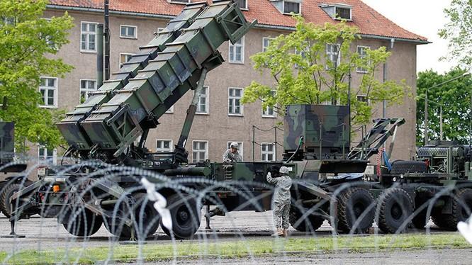 Nga bị Mỹ và NATO bao vây bằng lá chắn tên lửa đạn đạo.