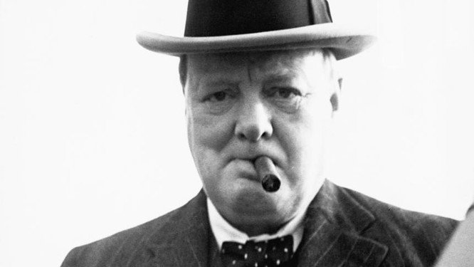 Thủ tướng Anh Winston Churchill, được coi là người đã cứu châu Âu trong Thế Chiến II. Ông đã gọi việc đổ 150.000 quân của liên minh Mỹ và phương Tây vào Nga năm 1917 là để: