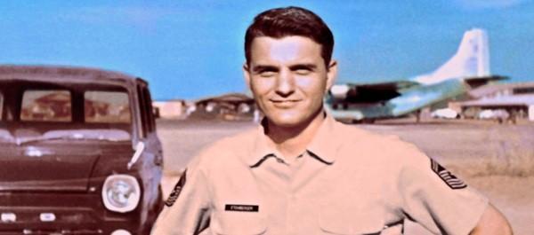 Thượng sĩ Richard Etchberger.