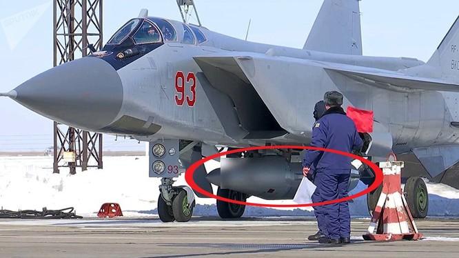 Nga đã trình diễn và thử nghiệm thành công một loạt siêu vũ khí có thể dẫn tới một cuộc chạy đua vũ trang.