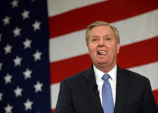 Thượng nghị sĩ Lindsey Graham thuộc Ủy ban Quân vụ Thượng viện Mỹ.