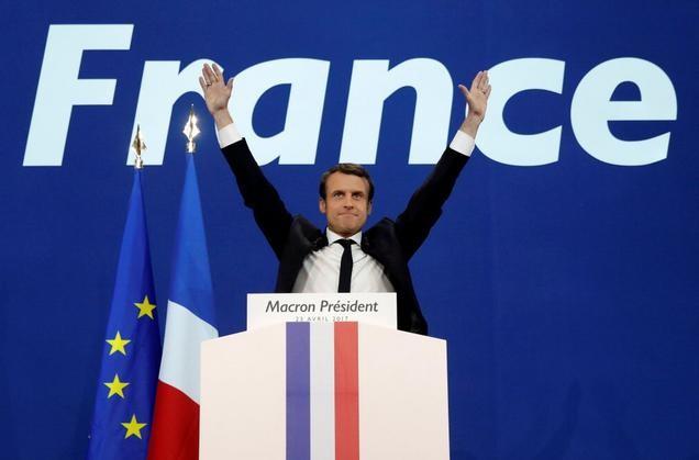 Tổng thống Pháp Emmanuel Macron đã thắng đối thủ trong vòng dồn phiếu.