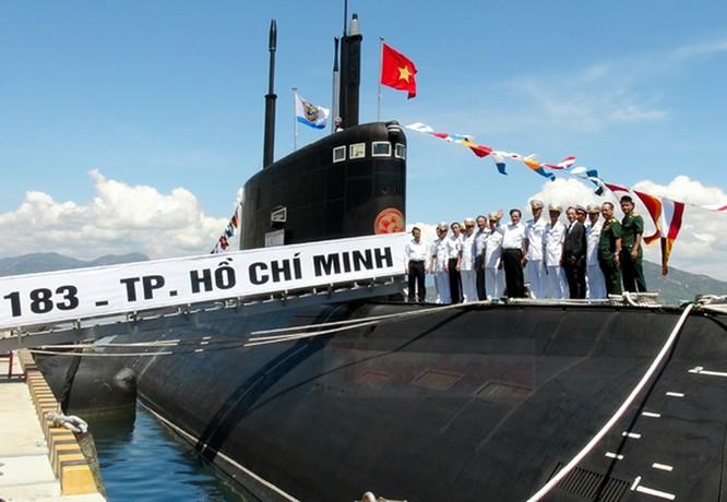 Tàu ngầm lớp Kilo của Việt Nam.