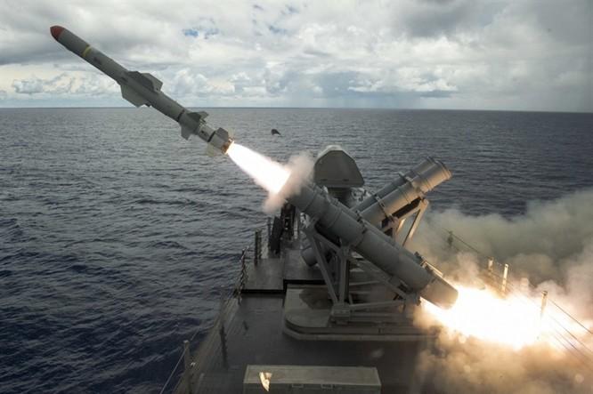 """Mỹ ồ ạt phóng tên lửa đánh Syria: Luyện chiêu """"phá trận"""" Nga, Trung Quốc ảnh 3"""